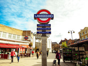 Uxbridge station heritage roundel