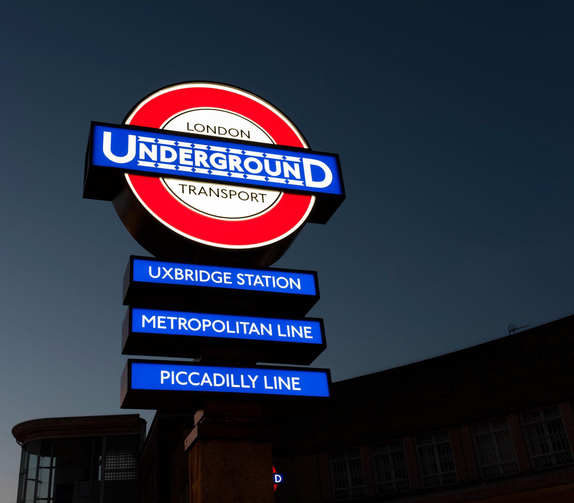 Uxbridge Station Heritage Roundel