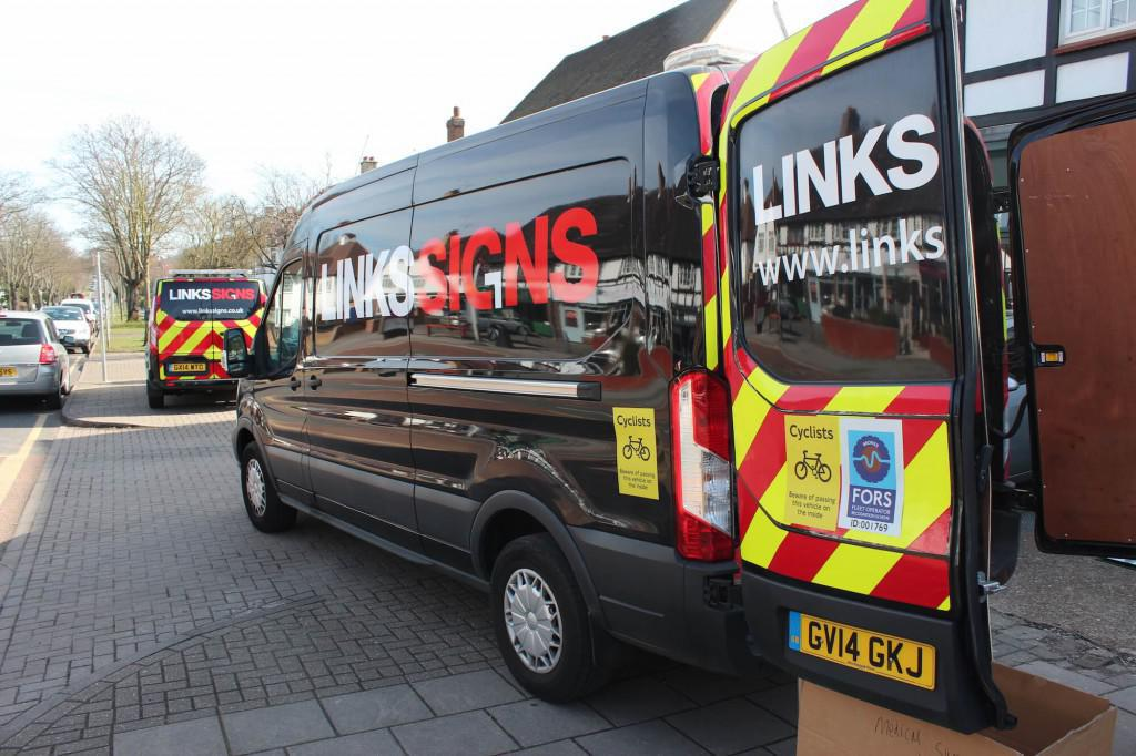 Contact Links Signs Installation